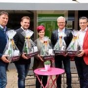 Präsentation des Geschenkskorbs 777 mit Gerhard Mörk, Alexander Petznek, Daniela Henke, Gerhard Weil, Klaus Köpplinger