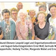 Seniorenbund-Obmann Leopold Legel und Organisationsreferentin Josefa Ecker gratulieren den Juli- und August-Geburtstagskindern.